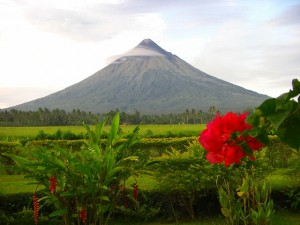 マヨン火山は、その美しい姿で出迎えてくれた