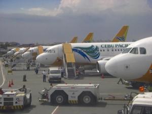 マニラ空港(NAIA)大3ターミナルにはセブパシフィックの機体が並ぶ