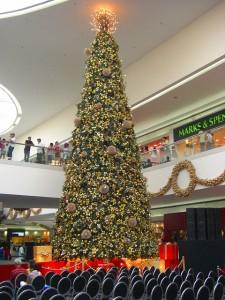 巨大なクリスマスツリー