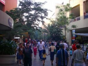 モールの外の通路